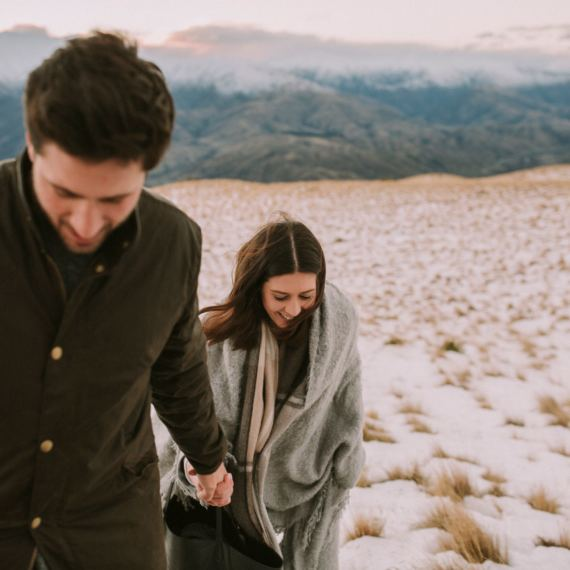 engagement photographer wanaka crown range